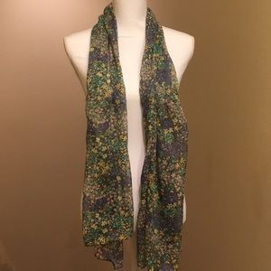 Frenchi floral lightweight scarf